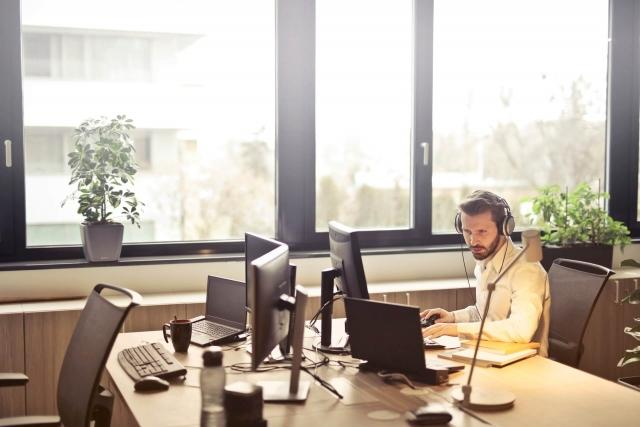 Solving Employee Onboarding Challenges with On-Demand Video