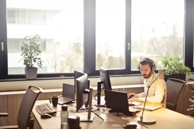 Challenging E-Learning Best Practices: How Long Should Training Videos Be?